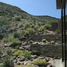 Contemporary Landscape by David J. Wade Inc, Architect
