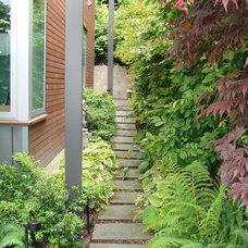 Modern Landscape by Brooks Kolb LLC Landscape Architecture