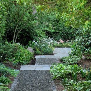 Foto di un giardino design in ombra dietro casa