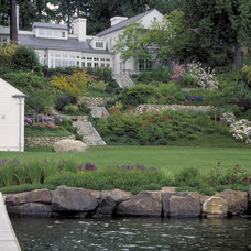 Traditional Landscape by Kenneth Philp Landscape Architects
