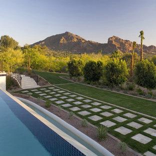 Mediterraner Garten hinter dem Haus in Phoenix