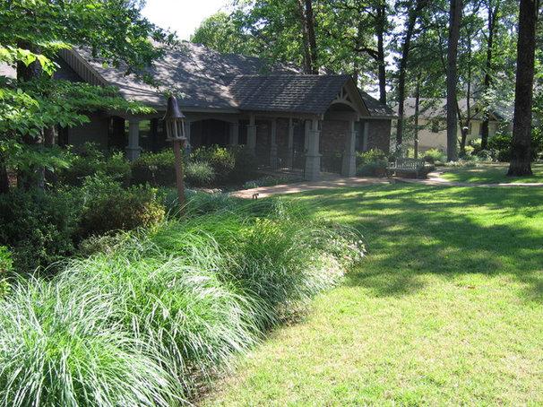 Traditional Landscape by MESA Landscape Architects, Inc