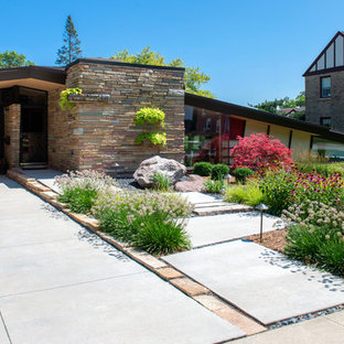 Mid century Front Yard Landscape - Racine