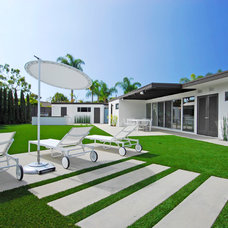 Contemporary Landscape by Brion Jeannette Architecture