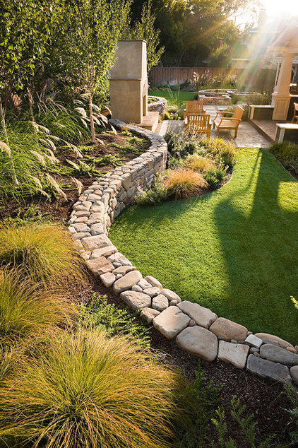 Traditional Landscape by Sally Stoik Landscape Architect