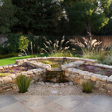 Contemporary Landscape by Sally Stoik Landscape Architect