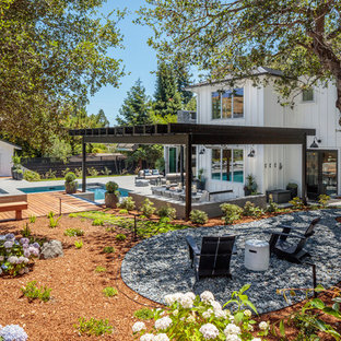 Inspiration for a huge transitional backyard mulch landscaping in San Francisco.
