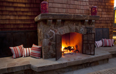 Extend Your Living Space With an Outdoor Fireplace