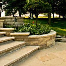 Traditional Landscape by Forest Ridge Landscaping