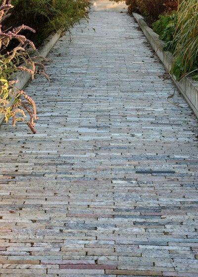Traditional Landscape by Earth Stone Midwest