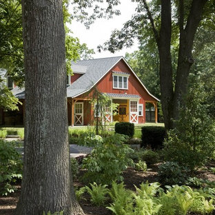 Inspiration for a farmhouse shade landscaping in Baltimore.