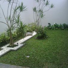 Modern Landscape by angelien garden & landscape
