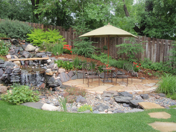 Eclectic Landscape by Field Outdoor Spaces