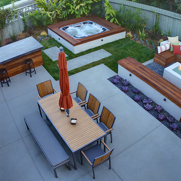 Modern and Cozy Outdoor Space
