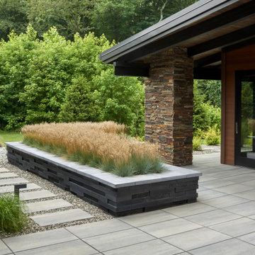 Modern Backyard Oasis in Moorestown, New Jersey