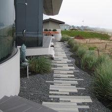 Modern Landscape by Jeffrey Gordon Smith Landscape Architecture