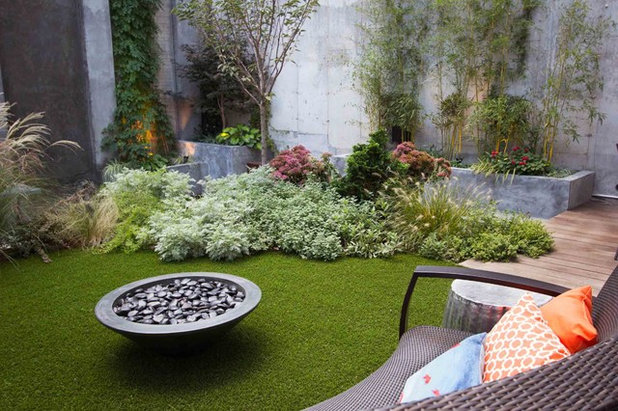 Modern Garten by Outside Space NYC Landscape Design