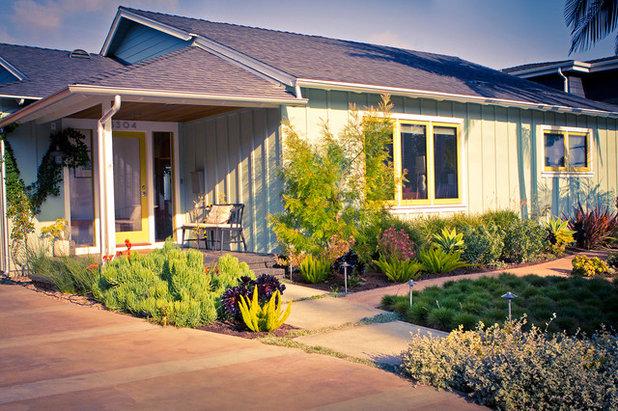 Traditional Garden by June Scott Design