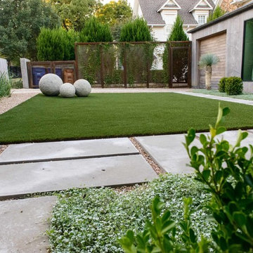Modern Formal Front Lawn Area