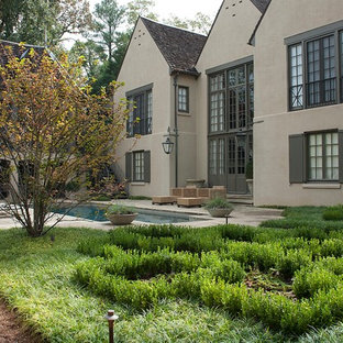 This is an example of a traditional backyard landscaping in Birmingham.