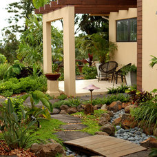 Modern Landscape by Wildco Construction Inc