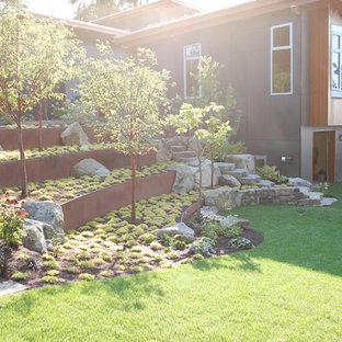 シアトルのモダンスタイルのおしゃれな庭の写真