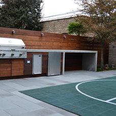 Modern Landscape by Chicago Roof Deck & Garden