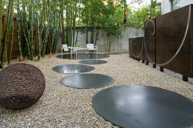 Moderno Jardín by Exterior Worlds Landscaping & Design