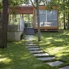 Modern Landscape by Resolution: 4 Architecture