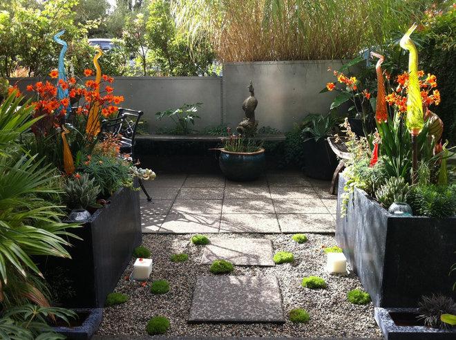 Tropical Landscape by Glenna Partridge Garden Design