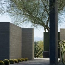Modern Landscape by Ibarra Rosano Design Architects