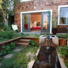 eclectic landscape by Rossington Architecture