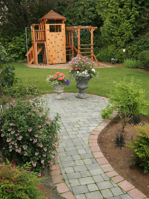 Design Ideas For A Contemporary Landscaping In Seattle With A Fire Pit.