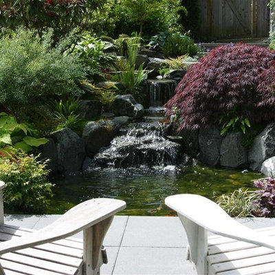 Design ideas for a contemporary waterfall in Seattle.