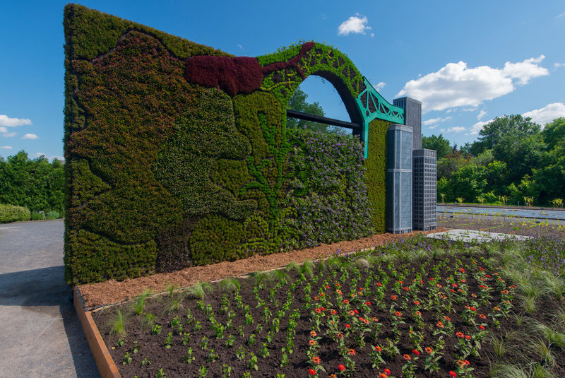 contemporary landscape by Mosaïcultures Internationales  Living Sculptures Delight at the Montreal Botanical Garden e1319aa501ddd9e0 3736 w800 h535 b0 p0  contemporary landscape