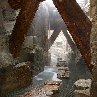 Geräumiger Rustikaler Garten mit Wasserspiel in Denver