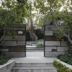 mark tessier landscape architecture designed this textural drought tolerant warm modern garden to complement the mid century design of the home - Mid Century Modern Landscape Design Ideas