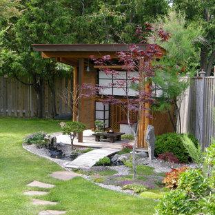 Asiatischer Garten mit Natursteinplatten in Toronto