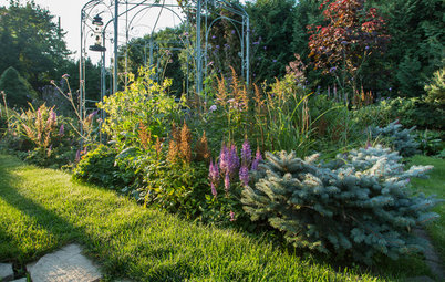 My Houzz: A Canadian Garden Is Well-Prepared for the Cold Weather Ahead