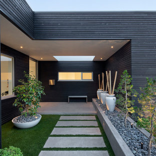 Good Photo Of A Modern Partial Sun Front Yard Concrete Paver Garden Path In  Portland. Images