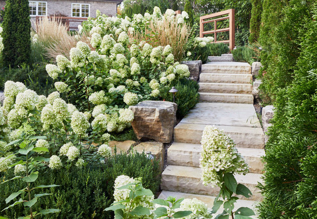 Transitional Garden by Pro-land Landscape Construction