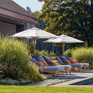 Native grasses are used to create an intimate space for lounging.