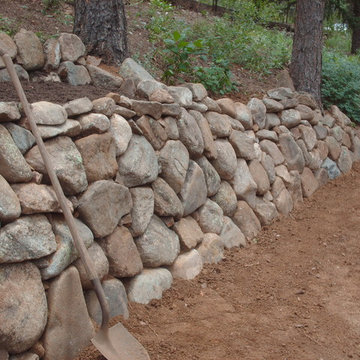 Natural dry stack wall in Colorado. By Mountaineer Landscaping and Painting LLC.