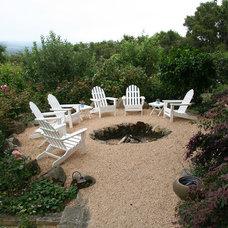 Traditional Landscape by Donna Lynn - Landscape Designer