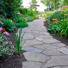 Traditional Landscape by Naturescapes Landscape Specialists, Ltd