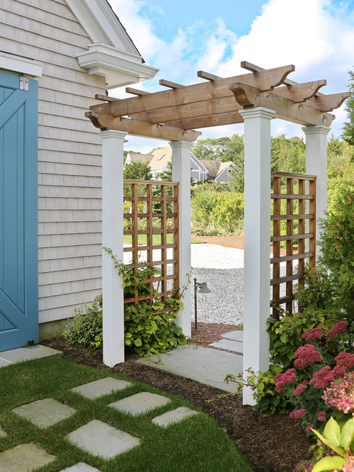 Front yard pergolas home design ideas pictures remodel for Pergola images houzz