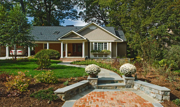 Traditional Landscape by Wentworth, Inc.