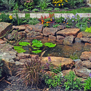 Photo of a craftsman landscaping in Houston.