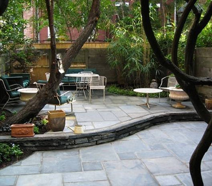Eclectic Landscape by New York Plantings Garden Design
