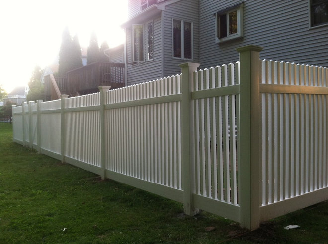 Traditional Landscape by Hartford Fence Co.